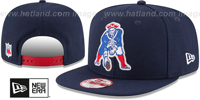 Patriots 'RETRO-BASIC SNAPBACK' Navy Hat by New Era : pictured without stickers that these products are shipped with