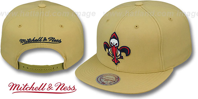 Pelicans 'TEAM-BASIC SNAPBACK' Gold Hat by Mitchell and Ness : pictured without stickers that these products are shipped with