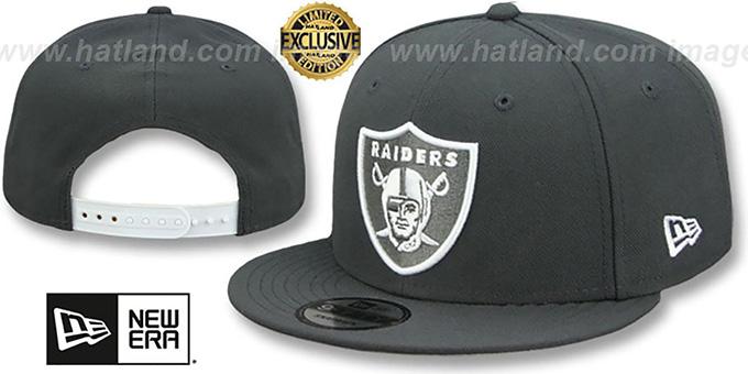f33ab8845c0 Raiders  TEAM-BASIC SNAPBACK  Charcoal-White Hat by New Era