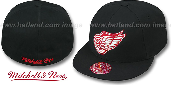 Red Wings 'XL-LOGO BASIC' Black Fitted Hat by Mitchell and Ness