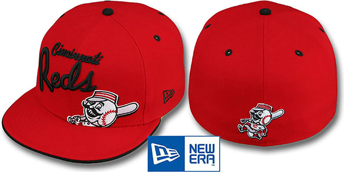 Reds 'BIG-SCRIPT' Red Fitted Hat by New Era : pictured without stickers that these products are shipped with
