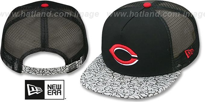 Reds 'ELEPHANT-HOOK STRAPBACK' Hat by New Era : pictured without stickers that these products are shipped with