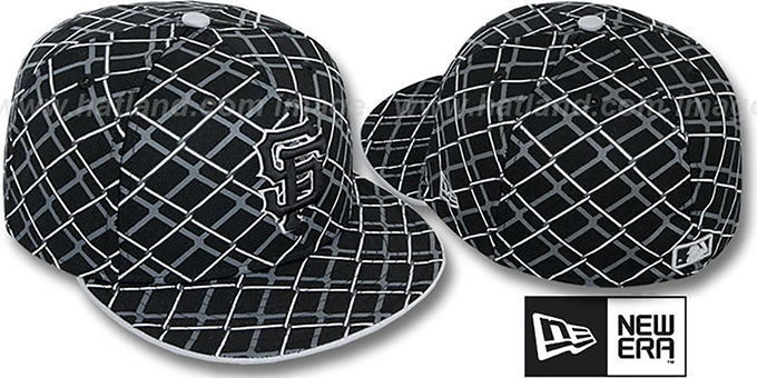 SF Giants 'CHAIN-LINK' Black Fitted Hat by New Era : pictured without stickers that these products are shipped with