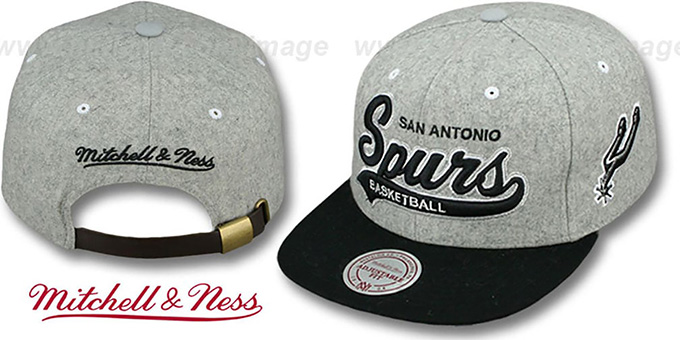 Spurs '2T TAILSWEEPER STRAPBACK' Grey-Black Hat by Mitchell & Ness : pictured without stickers that these products are shipped with