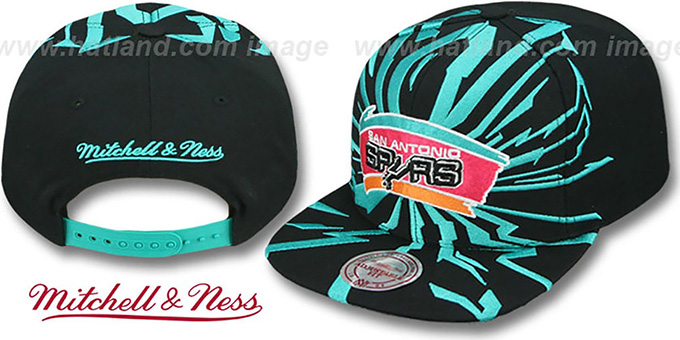Spurs 'EARTHQUAKE SNAPBACK' Black Hat by Mitchell & Ness : pictured without stickers that these products are shipped with