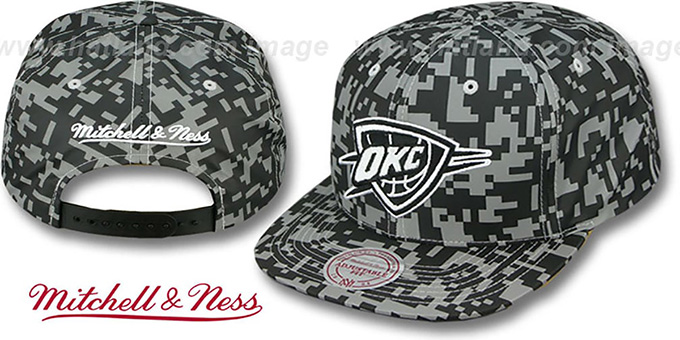 Thunder '3M DIGI-CAMO SNAPBACK' Black-Grey Hat by Mitchell & Ness : pictured without stickers that these products are shipped with
