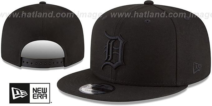 Tigers 'TEAM-BASIC BLACKOUT SNAPBACK' Hat by New Era