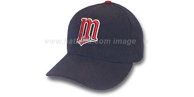 Twins 'GAME' Hat by New Era : pictured without stickers that these products are shipped with