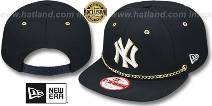 Yankees  'CHAIN SNAPBACK' Navy Hat by New Era : pictured without stickers that these products are shipped with