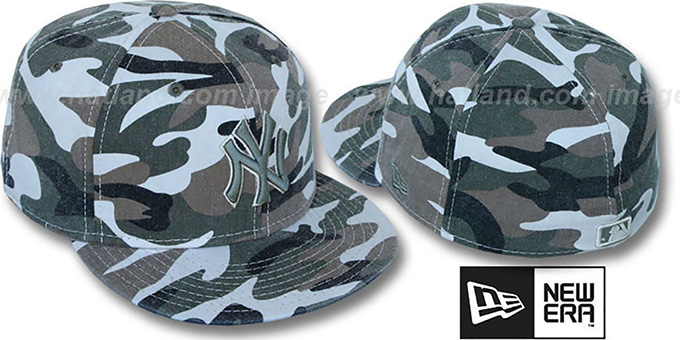 Yankees 'BARRICADE CAMO' Fitted Hat by New Era : pictured without stickers that these products are shipped with
