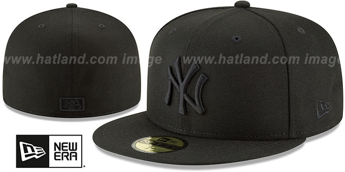 Yankees 'BLACKOUT' Fitted Hat by New Era : pictured without stickers that these products are shipped with