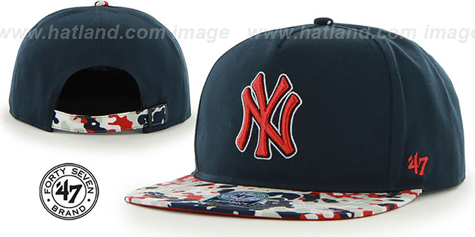 Yankees 'DRYTOP STRAPBACK' Navy Hat by Twins 47 Brand : pictured without stickers that these products are shipped with