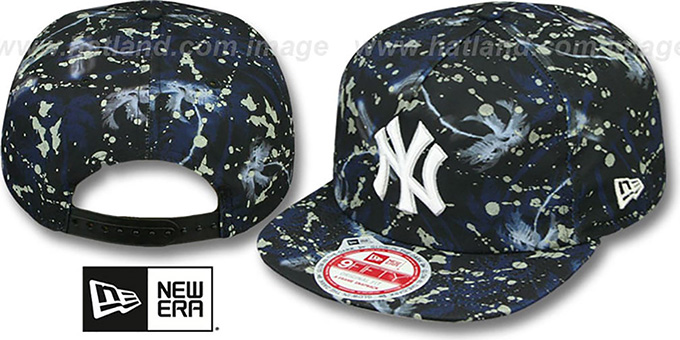 Yankees 'GLOWSPECK SNAPBACK' Hat by New Era : pictured without stickers that these products are shipped with