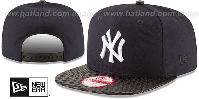 Yankees 'LEATHER-RIP SNAPBACK' Navy-Black Hat by New Era : pictured without stickers that these products are shipped with