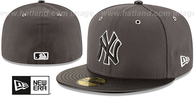 Yankees 'METAL HOOK' Grey-Black Fitted Hat by New Era : pictured without stickers that these products are shipped with