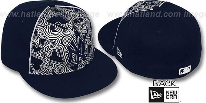 Yankees 'MLB-FOIL' Navy-Silver Fitted Hat by New Era : pictured without stickers that these products are shipped with