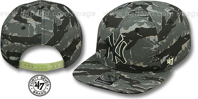 Yankees 'NIGHT-VISION SNAPBACK' Adjustable Hat by Twins 47 Brand : pictured without stickers that these products are shipped with