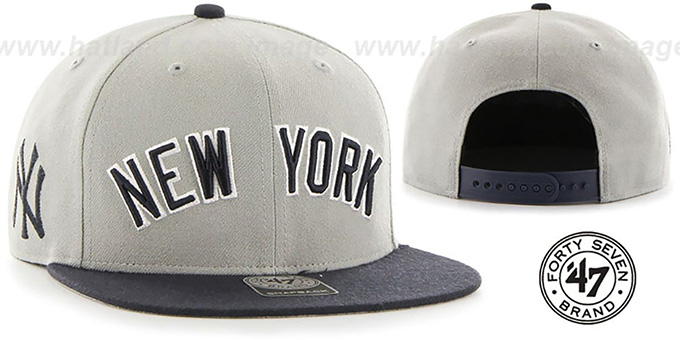 584332a53d2 Yankees  SCRIPT-SIDE SNAPBACK  Grey-Navy Hat by Twins 47 Brand