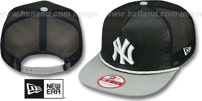 Yankees 'SNAKE A-FRAME SNAPBACK' Black-Grey Hat by New Era : pictured without stickers that these products are shipped with