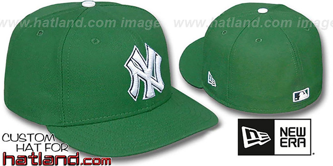 Yankees 'St Patricks Day' Fitted Hat by New Era : pictured without stickers that these products are shipped with