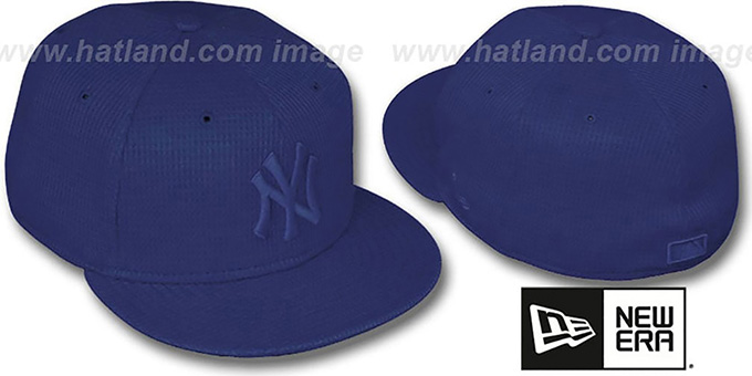 Yankees 'THERMAL NAVYOUT' Fitted Hat by New Era : pictured without stickers that these products are shipped with