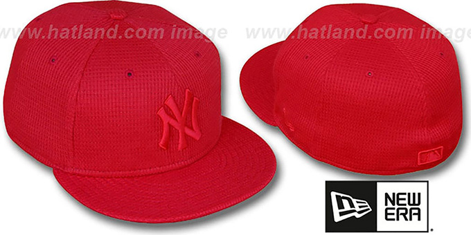 Yankees 'THERMAL REDOUT' Fitted Hat by New Era : pictured without stickers that these products are shipped with