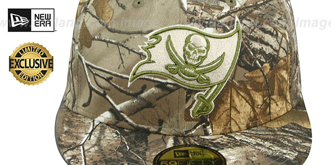 Buccaneers 'NFL TEAM-BASIC' Realtree Camo Fitted Hat by New Era