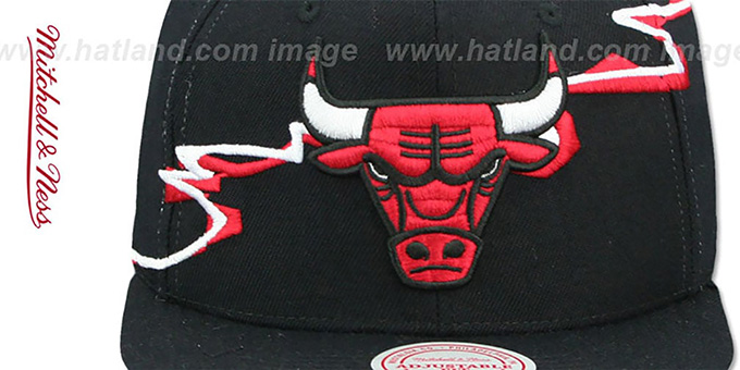Bulls 'SWIFTER SNAPBACK' Black Hat by Mitchell and Ness