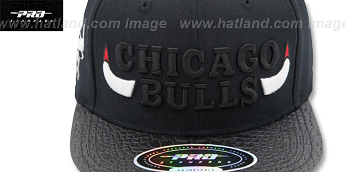 Bulls 'XL-HORNS STRAPBACK' Black Hat by Pro Standard