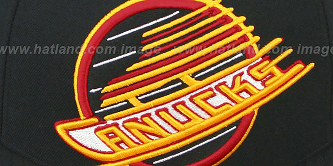 Canucks 'XL-LOGO BASIC' Black Fitted Hat by Mitchell & Ness