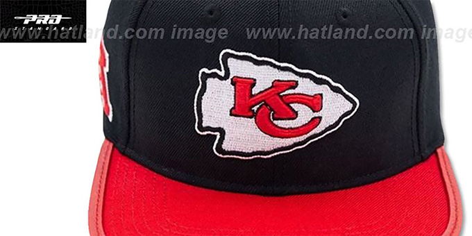 Chiefs 'LOGO-MARK STRAPBACK' Black-Red Hat by Pro Standard