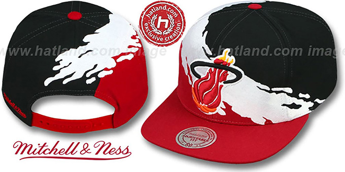 Heat 'PAINTBRUSH SNAPBACK' Black-White-Red Hat by Mitchell & Ness
