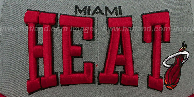 Heat 'PRO-ARCH' Grey-Red Fitted Hat by New Era