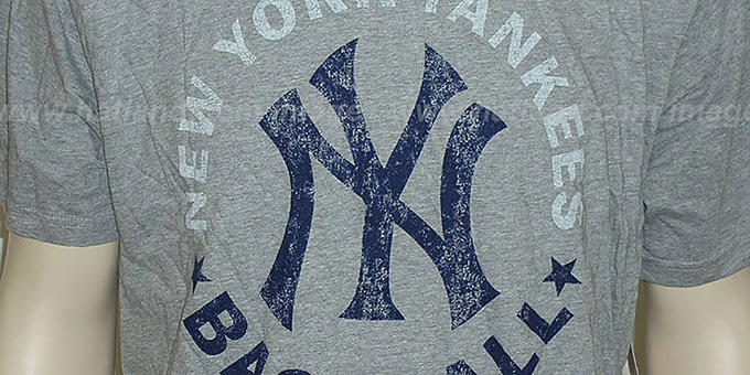 Mitchell and Ness Yankees 'Fan Vintage' Grey T-Shirt