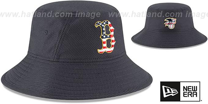 17cb11ebab449 ... Red Sox  2018 JULY 4TH STARS N STRIPES BUCKET  Navy Hat by New Era ...
