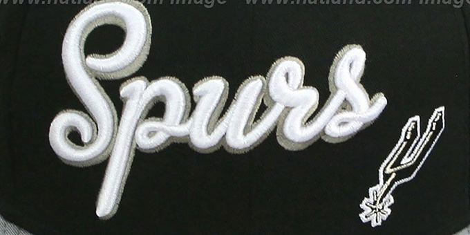 Spurs 'SWASH-SCRIPT SNAPBACK' Black-Grey Hat by New Era
