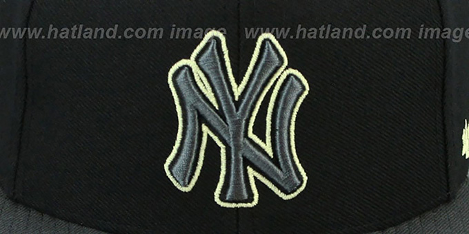 Yankees 'NIGHT-MOVE SNAPBACK' Adjustable Hat by Twins 47 Brand