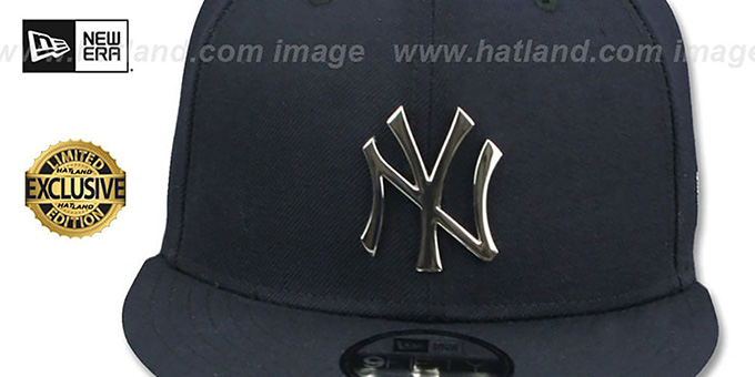32cfd517f4a ... Yankees  SILVER METAL-BADGE SNAPBACK  Navy Hat by New Era ...