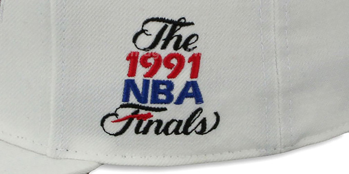 Bulls 1991 'COMMEMORATIVE CHAMPS' Hat by Mitchell & Ness