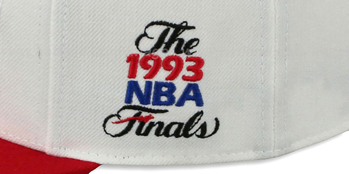 Bulls 1993 'COMMEMORATIVE CHAMPS' Hat by Mitchell & Ness