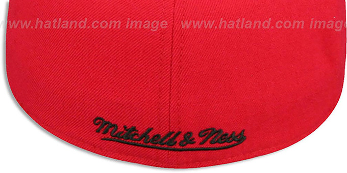 Bulls '2T XL-LOGO - 2' Red-Black Fitted Hat by Mitchell and Ness
