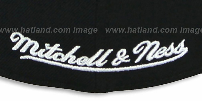 Bulls '2T XL-LOGO' Black-Red Fitted Hat by Mitchell & Ness
