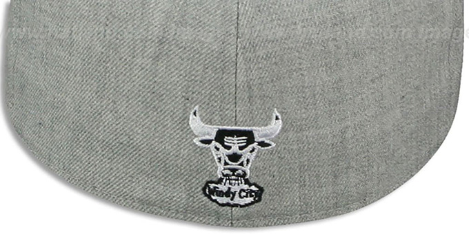 Bulls 'CIRCLE-CLOSER' Grey-Black Fitted Hat by New Era