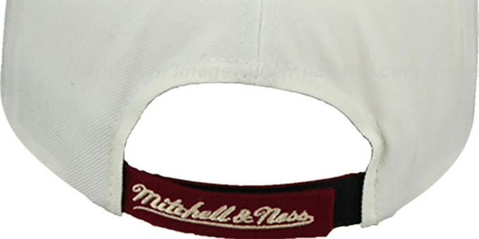 Bulls 'CREAMTOP STRAPBACK' Hat by Mitchell and Ness