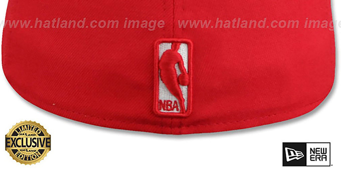 Bulls 'WHITE METAL-BADGE' Red-White Patent Fitted Hat by New Era