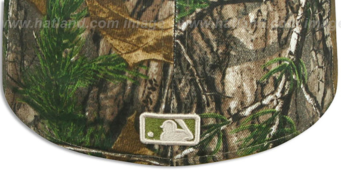 27bb1b49aef ... Dodgers  MLB TEAM-BASIC  Realtree Camo Fitted Hat by New Era ...