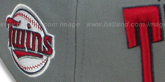 Twins 'PRO-ARCH' Grey-Red Fitted Hat by New Era