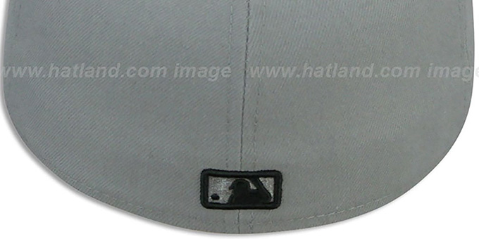 White Sox '2T TEAM-BASIC' Grey-Black Fitted Hat by New Era