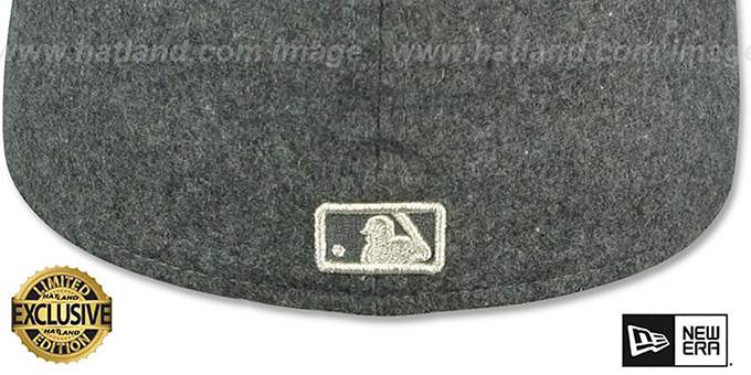 4027c76a719 ... Yankees  SILVER METAL-BADGE  Melton Grey Fitted Hat by New Era ...