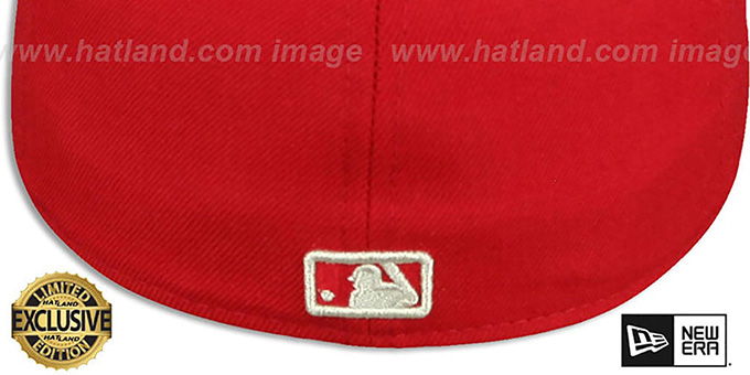 Yankees 'SILVER METAL-BADGE' Red Fitted Hat by New Era